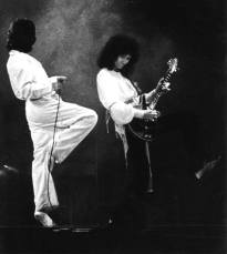 A Day At The Races tour - live Freddie and Brian