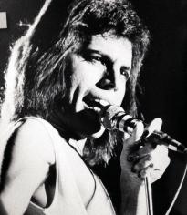 Freddie on stage in 1976