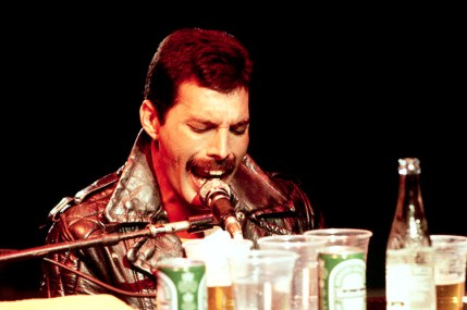Freddie - early 80's (live)