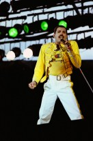 9th August 1986, the very last Queen concert with Freddie Mercury took place at Knebworth Park in Stevenage, England (3)