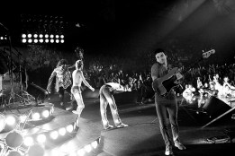 Queen on stage - The Game Tour