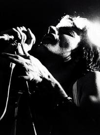 Freddie live in 1976