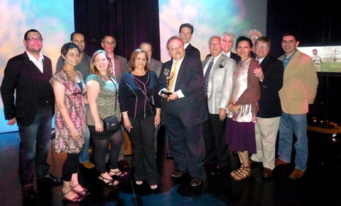 Los productores y editores de los segmentos que obtuvieron el Emmy 2010.