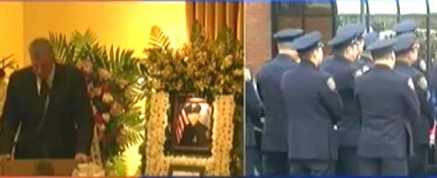 Imagen que muestra cuando el alcalde Bill de Blasio hablaba y los policías le dieron la espalda.