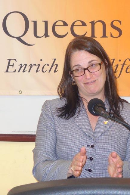 Bridger Quinn-Carey, presidenta interina del sistama de Bibliotecas de Queens. Fotos Javier Castaño