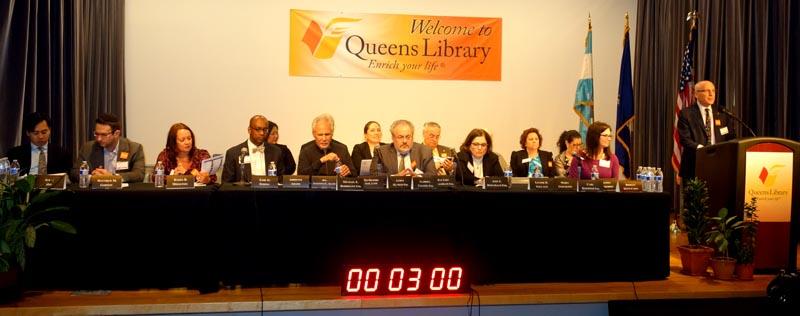 Miembros de la Junta Directiva de la Biblioteca de Queens en reunión en la sede de Flushing para debatir el presupuesto del 2016. Fotos Javier Castaño