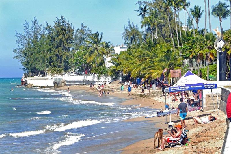 Las playas de Puerto Rico son tibias como el Mar Caribe.