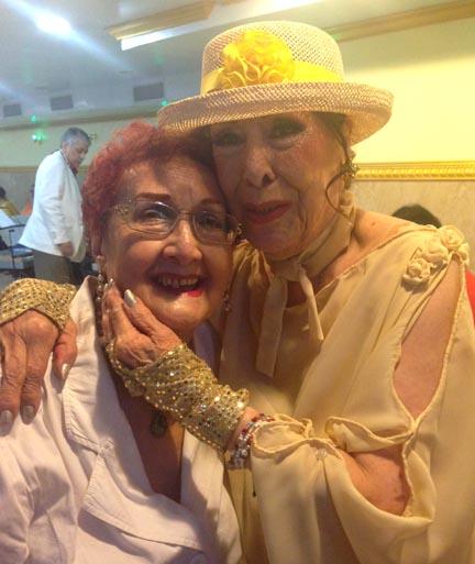 Este tipo de amistad se vivió durante la celebración del Día de las Madres organizado por el LACCQ. Fotos Bibiana Parecki