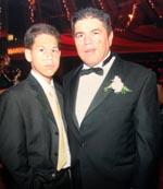 Charles y Carlos Velásquez. Foto familiar