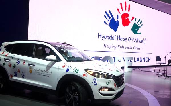 Hyundai exaltó su programa Hyundai Hope on Wheels para ayudar a niños a combatir el cáncer.