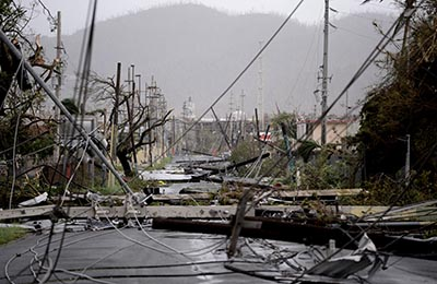 Caso todo Puerto Rico está sin luz por el huracán maría.