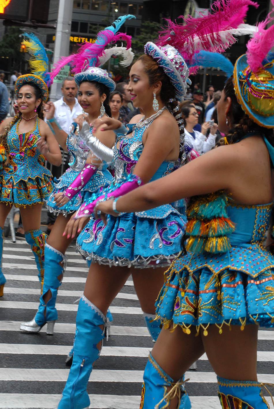 La delegación de Bolivia siempre se destaca en los desfiles en la ciudad de Nueva York. Foto Humberto Arellano