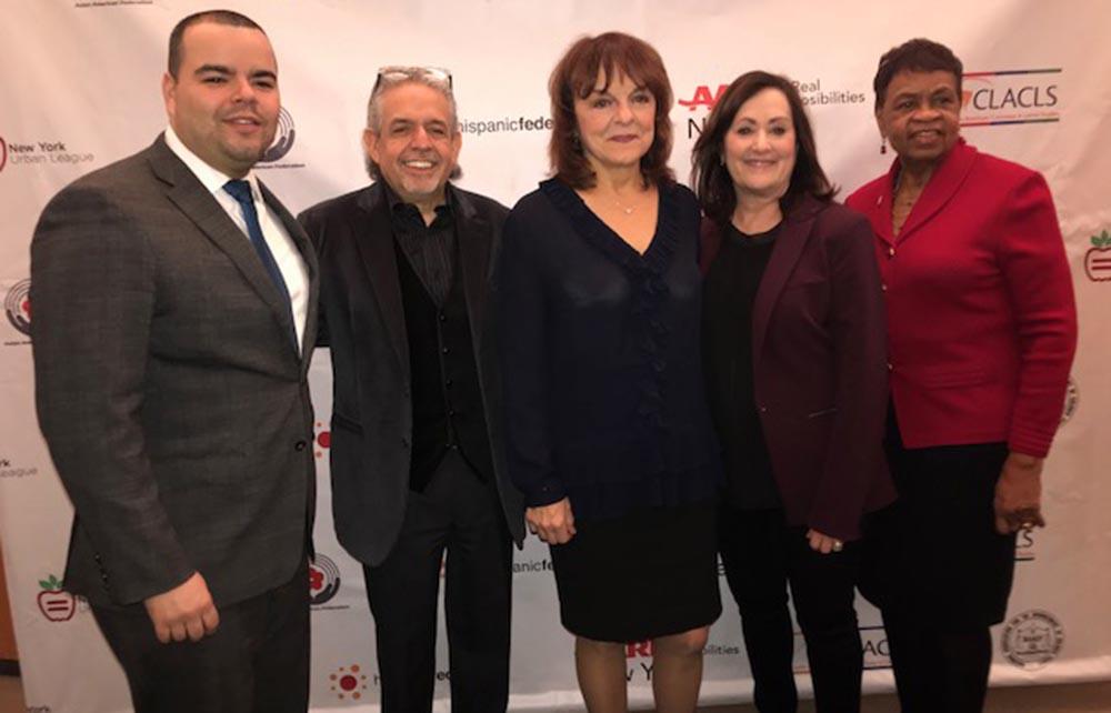 Desde la izquierda, José Calderón de la Federación Hispana, el activista Luis Miranda, Priscila López, Beth Finkel y Catherine Alicia Georges.