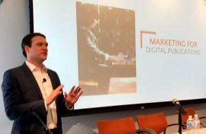 Marc Pu hablando sobre el mercadeo en los medios de comunicación digitales.