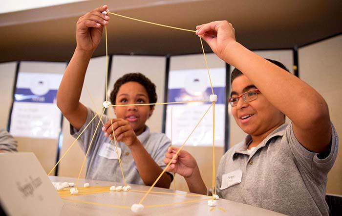 Escuela Valence en Corona para alumnos de 5to grado, inscríbase gratis