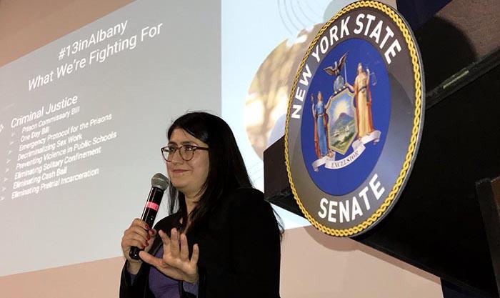 Senadora Ramos toma el pulso de la comunidad
