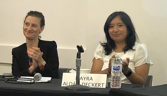 Bibliotecas defienden inmigrantes