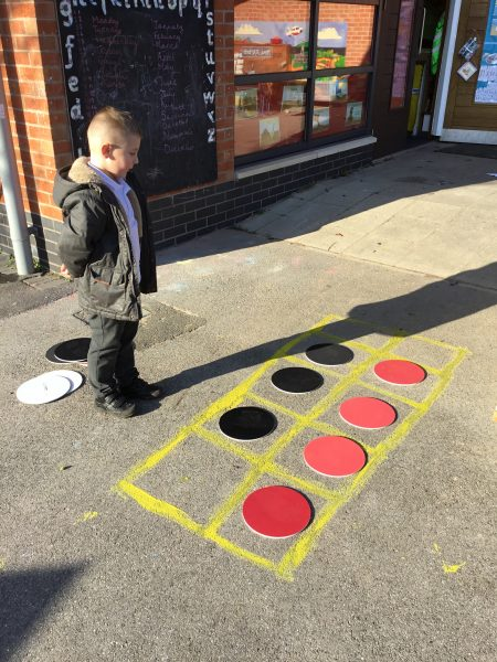 FS2 outdoor learning number bonds to 10.