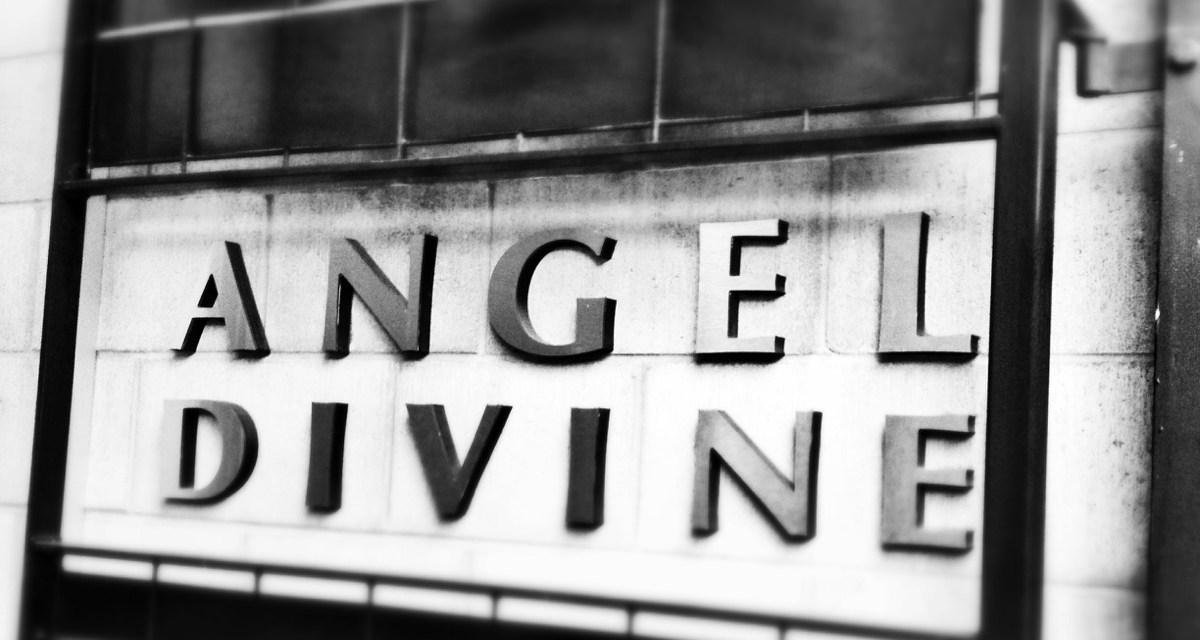 Angel Divine's evening with Juliette Hogan