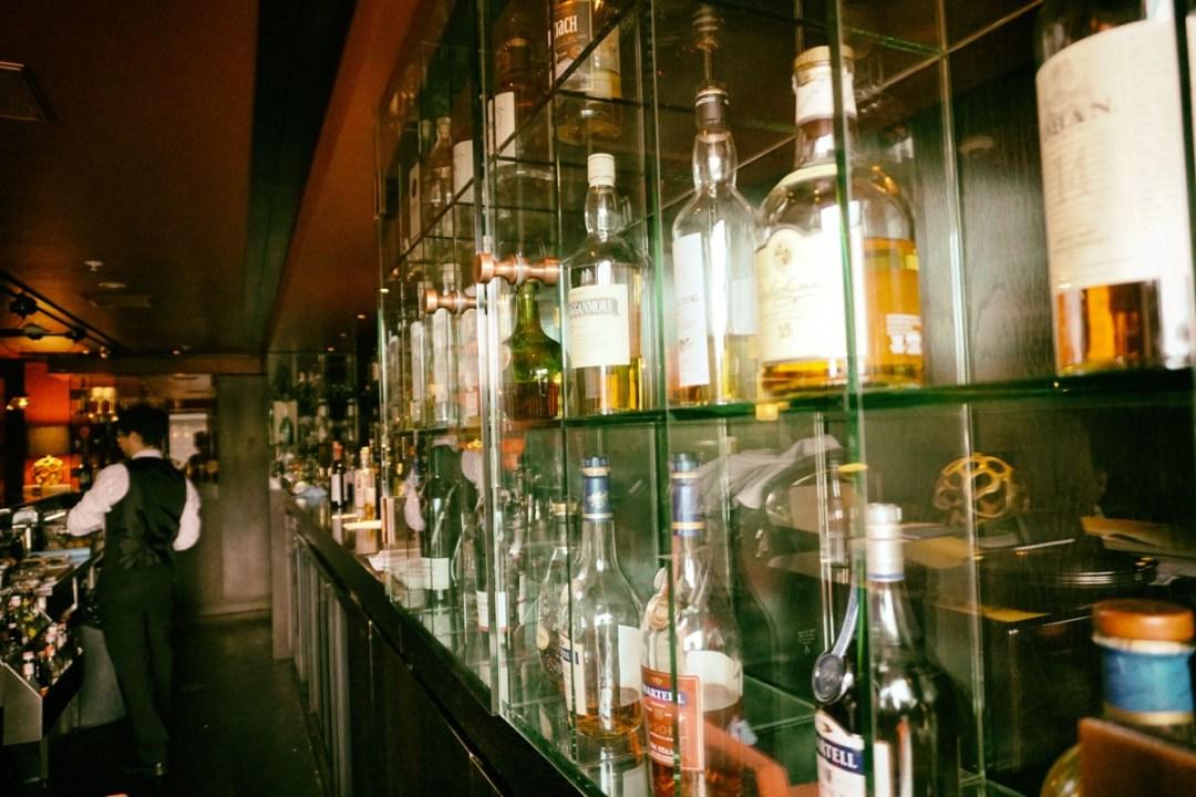 Pre dinner drinks at Cru Bar