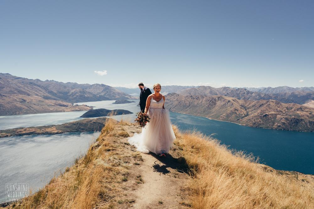 wedding at lake wanaka coromandel Peak