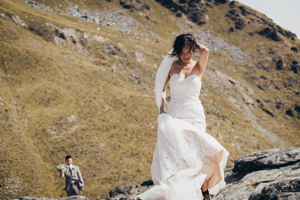 modern bride on a NZ mountain wedding