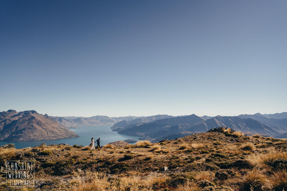 Lake Wakatipu mountain view