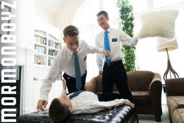 mormonboyz_elder_garrett_chapter11_hi-res.8