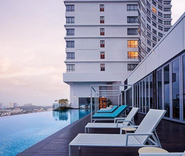 Doubletree By Hilton Melaka Infinity Pool