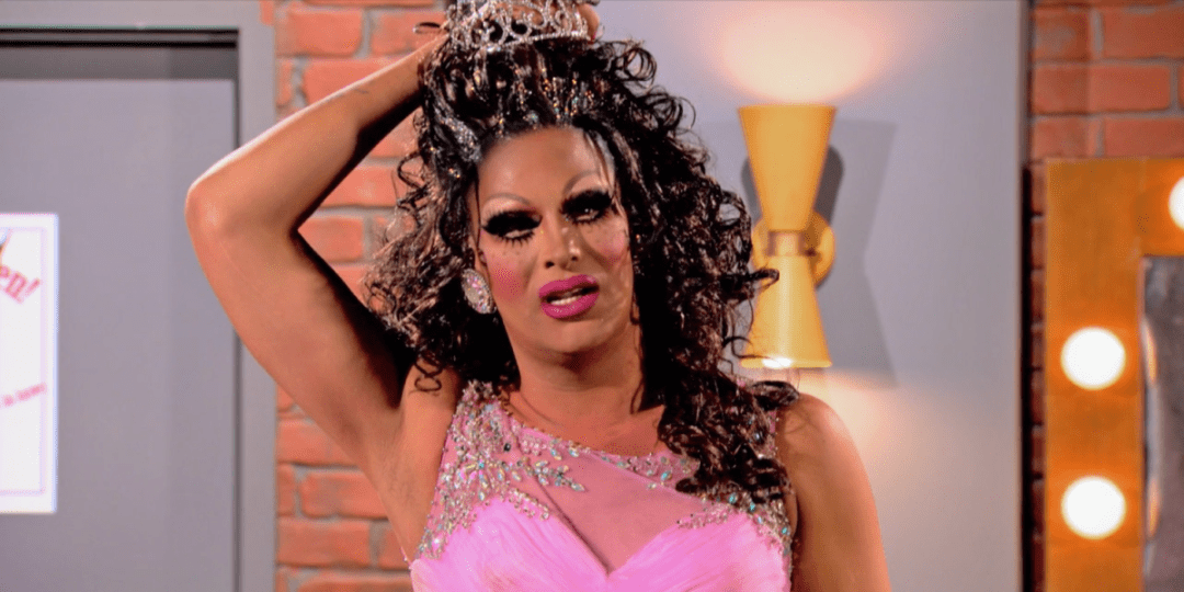 It only took 4 episodes for Roxxxy to have her next