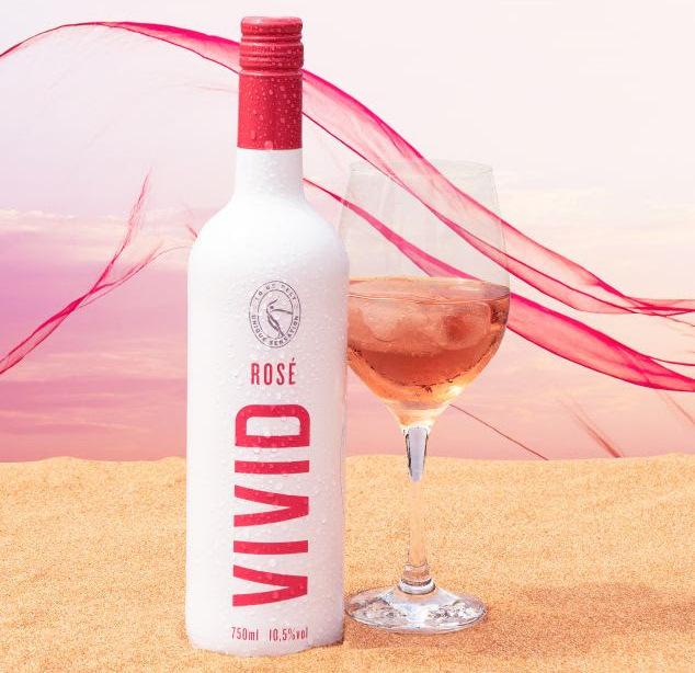 Evino lança rosé Vivid, de marca própria e feito na França