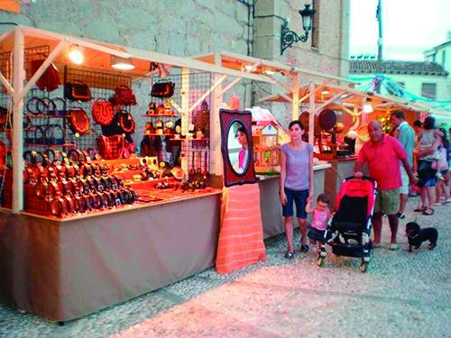Artesanía y mercados estivales
