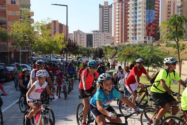 Benidorm celebra el día de la Bicicleta