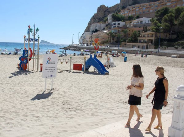 zona infantil playa poniente benidorm