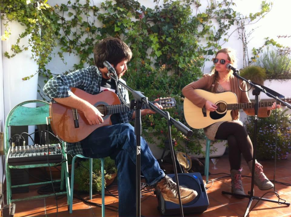 HOT AIR BALLOON, Blues + Música Alternativa