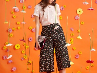 Raining Daisies: Styling Flowers for ModCloth Spring Campaigns