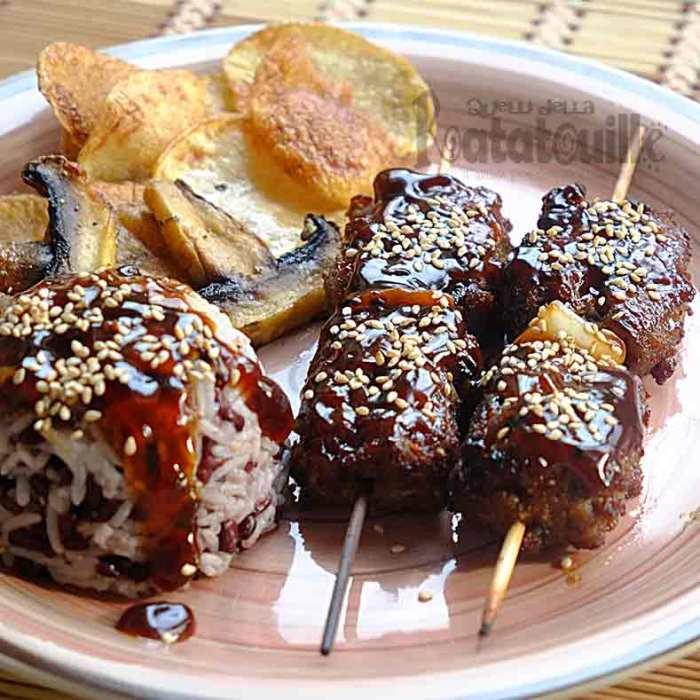 Tsukune di manzo e funghi con Yakiniku no tare