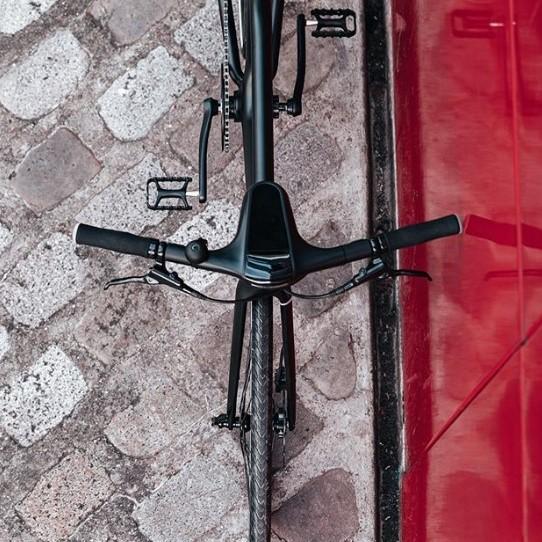 Angell vélo electrique connecté vue de dessus avec cockpit et guidon