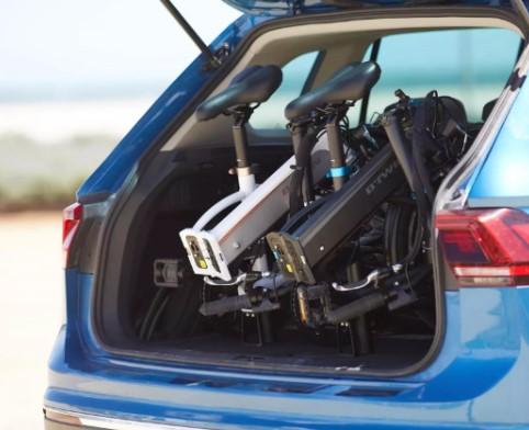 BTWIN Tilt 500E vélo électrique pliant coffre voiture