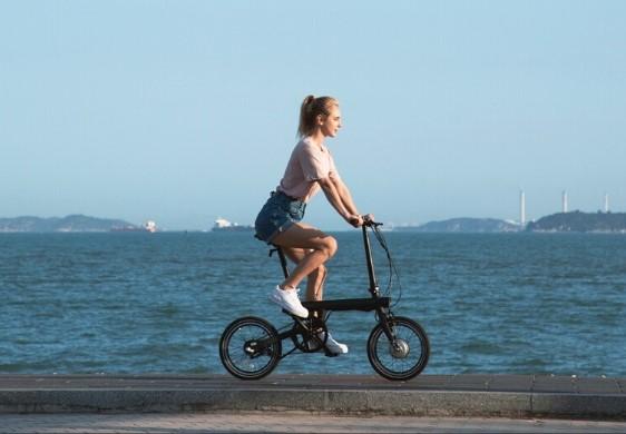Xiaomi Mi Smart vélo électrique pliant léger pas cher en bord de mer