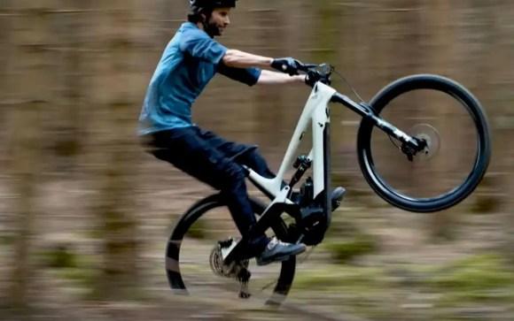 couple moteur vélo électrique