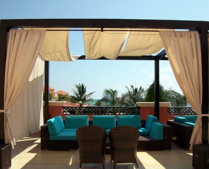 Relaxing Sea Lounge