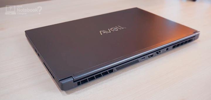 Review Avell LIV A72 imagem da tampa com o logotipo