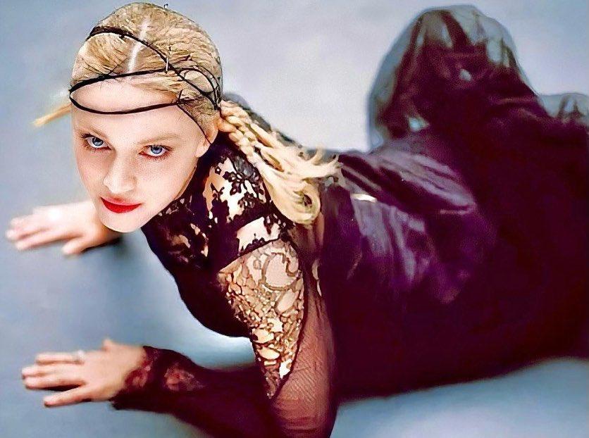 Madonna Fotos en Lenceria Edadismo Redes Sociales