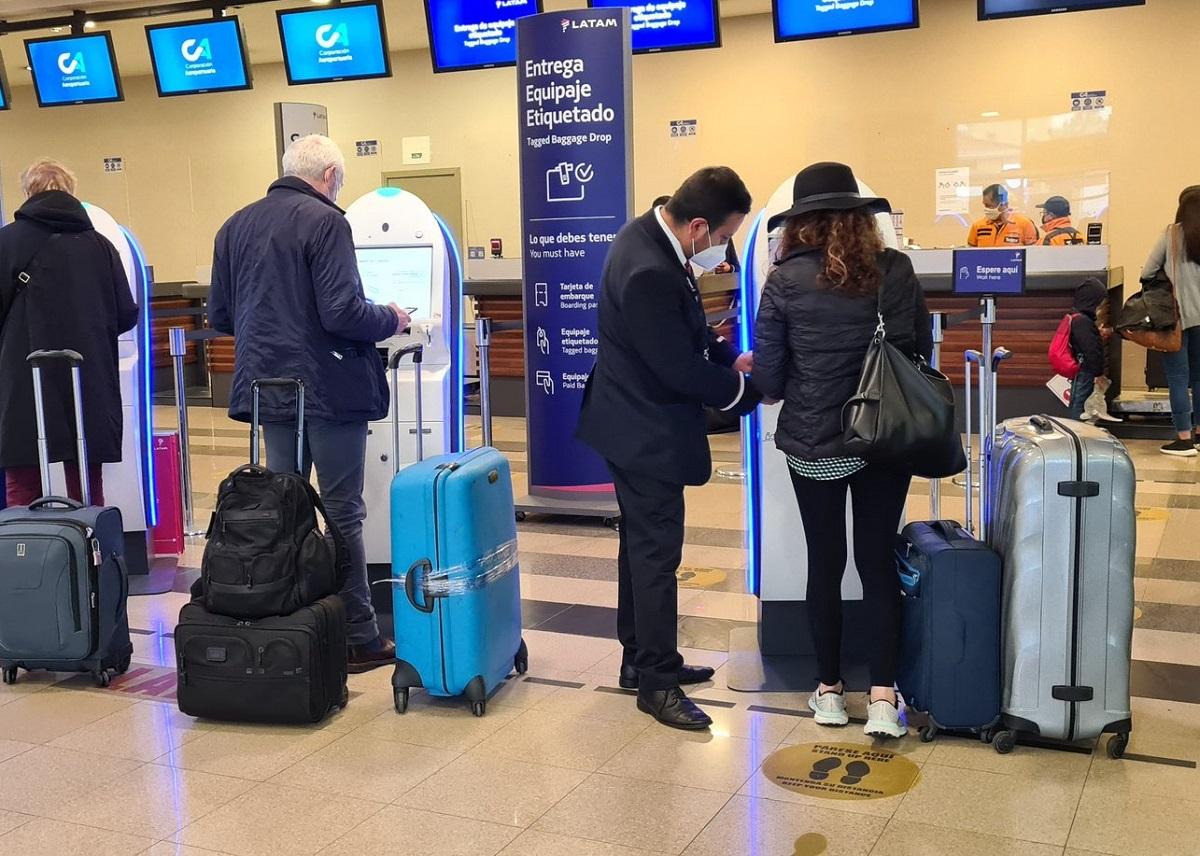 Carnet de vacunación aeropuertos Ecuador