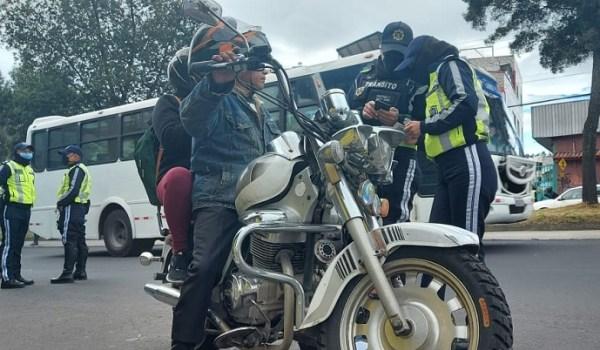 Multas motociclistas en Quito