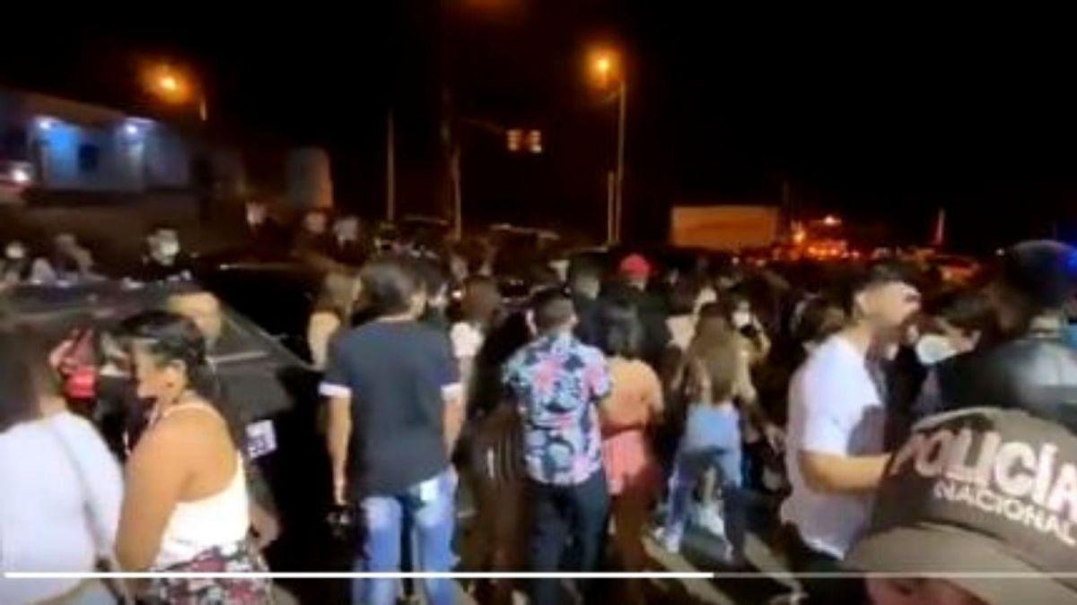 fiesta clandestina ciudad santiago