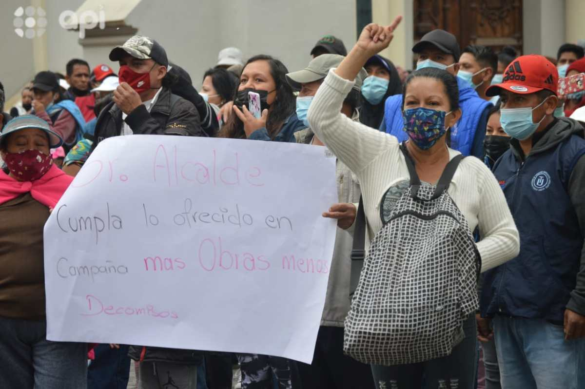 COMERCIANTES PROTESTAN EN CUENCA