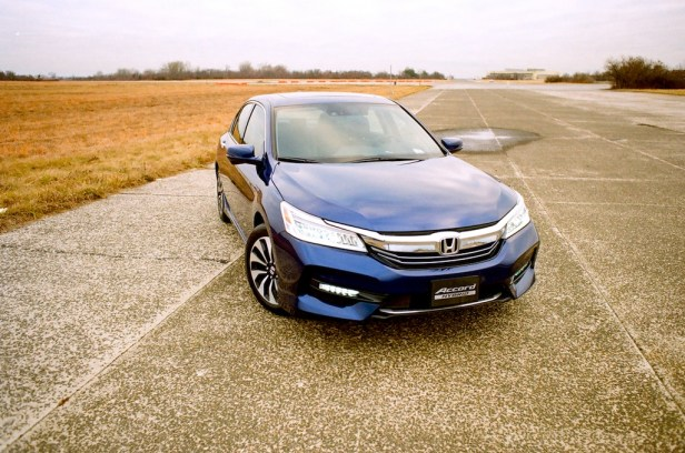 2017_Honda-Accord-Hybrid_1.jpg
