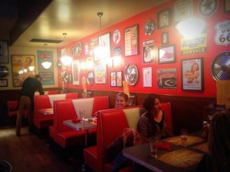 bernies diner barcelona restaurante americano que se cuece en bcn  bernie's (18)